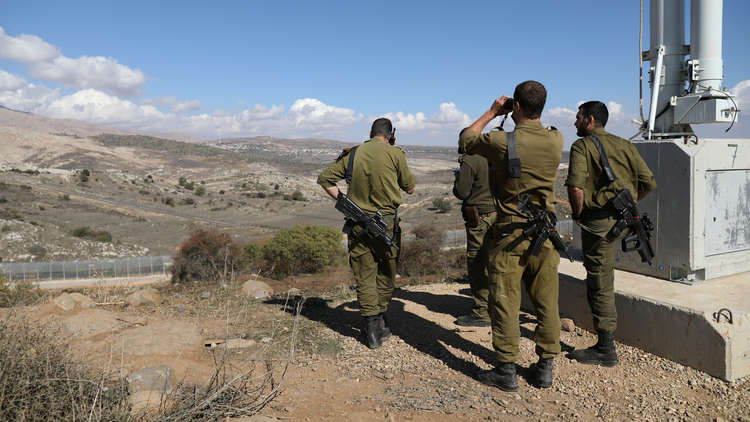 الجيش الإسرائيلي يقصف مدفعا سوريا ردا على سقوط قذيفة أطلقت من الجولان