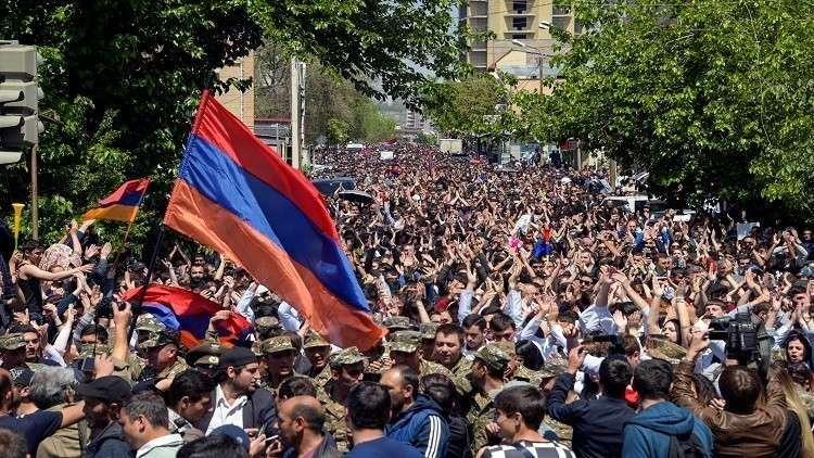 الكرملين يأمل بتوصل السلطة والمعارضة في أرمينيا إلى حل وسط