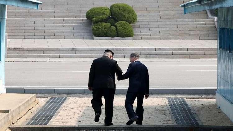 مون أول زعيم جنوبي يعبر الحدود إلى كوريا الشمالية