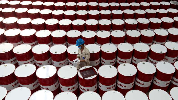 هبوط النفط رغم احتمال عودة العقوبات على إيران