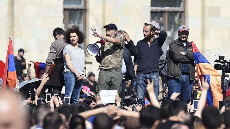 قائد المعارضة الأرمنية: عليكم تعييني رئيسا للوزراء وإلا..