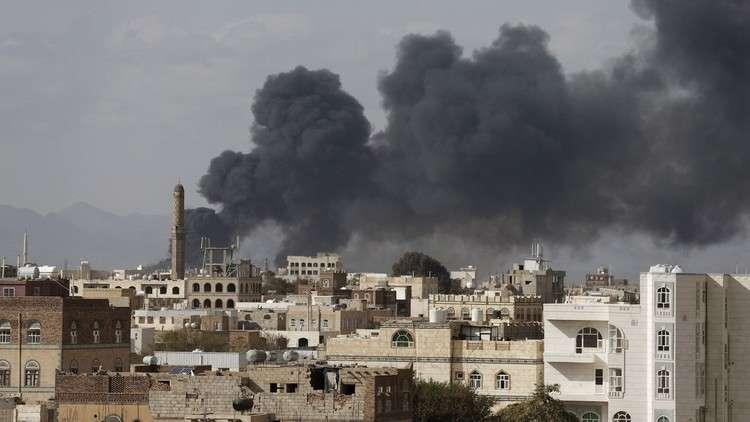 غارات كثيفة للتحالف على صنعاء عشية تشييع الصماد