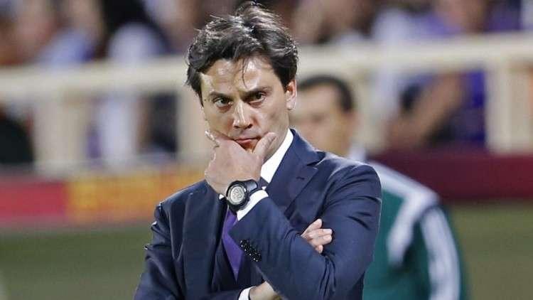 إشبيلية يقيل مدربه الإيطالي مونتيلا