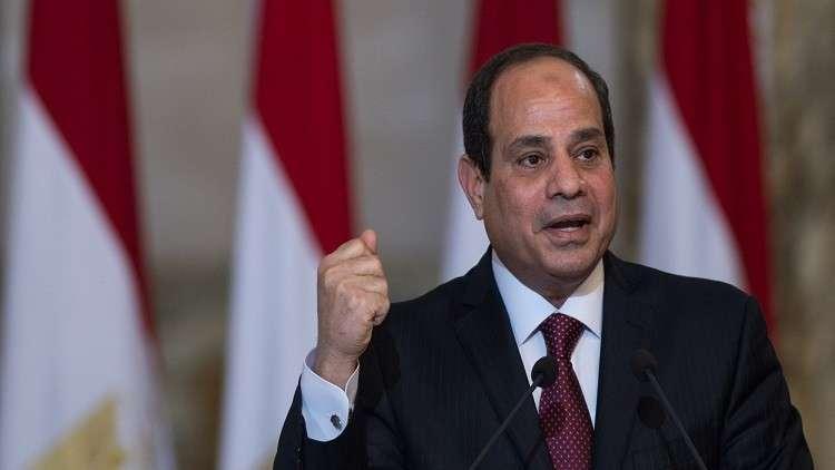 شاهد.. الرئيس المصري يطلب التصوير مع فنانة صغيرة ويسبب ضجة في مصر