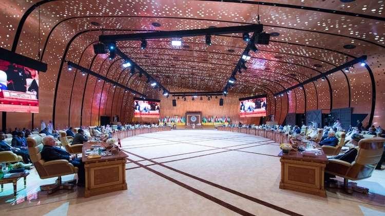 علاء مبارك يهاجم أمين جامعة الدول العربية