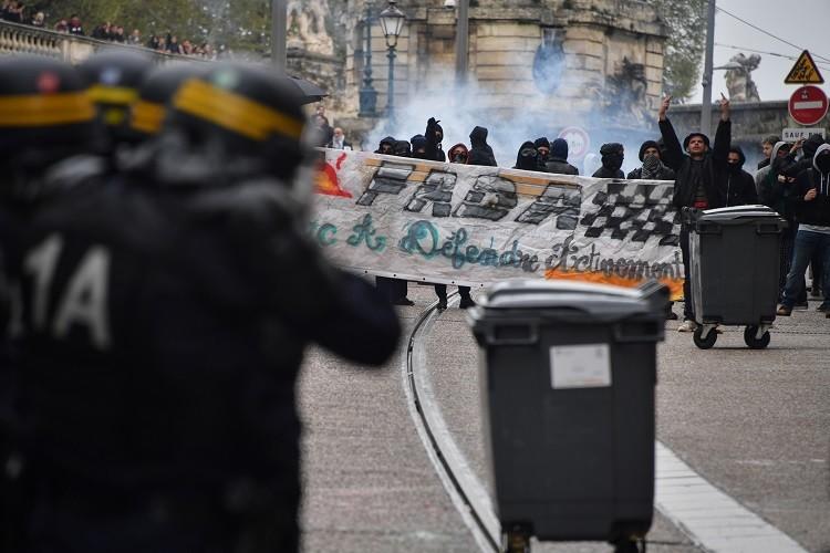 صدامات بين المتظاهرين والشرطة جنوبي فرنسا