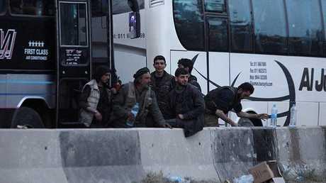 إجلاء المسلحين من الغوطة الشرقية (أرشيف)