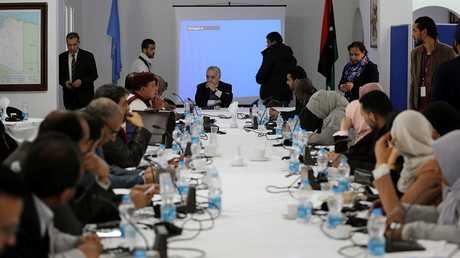 مبعوث الأمم المتحدة إلى ليبيا غسان سلامة خلال اجتماع سابق بالعاصمة طرابلس