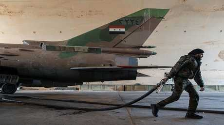 أرشيف - طائرة حربية سورية