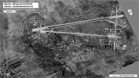 صورة من الأقمار الاصطناعية لقاعدة الشعيرات في سوريا نشرتها وكالة رويترز في وقت سابق