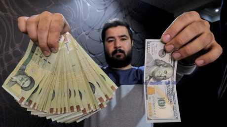 روحاني يدافع عن قرارات الحكومة لإنقاذ