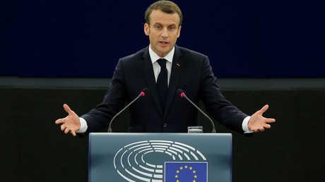 الرئيس الفرنسي، إيمانويل ماكرون، يلقي كلمة خلال جلسة للبرلمان الأوروبي في مدينة ستراسبورغ يوم 17 أبريل
