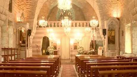 استمرار ترميم دور العبادة في لبنان