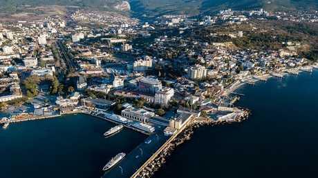 مدينة يالطا في شبه جزيرة القرم الروسية