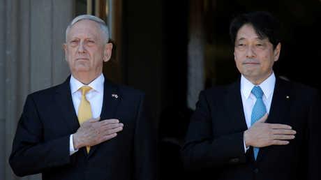 وزير الدفاع الياباني ايتسونوري اونوديرا ووزير الدفاع الأمريكي جيمس ماتيس، واشنطن، 20 أبريل 2018