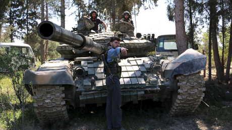 """دبابة تابعة لـ""""جيش الإسلام"""" - صورة أرشيفية"""