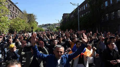 الاحتجاجات في أرمينيا ضد رئيس الوزراء