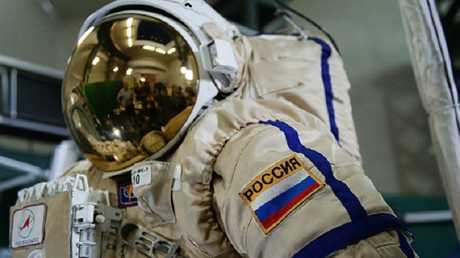 بدلة رواد الفضاء الروس