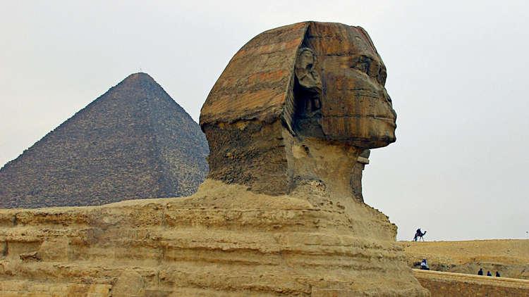 باحث روسي يكشف عن فرضية جديدة لبناء أهرامات مصر