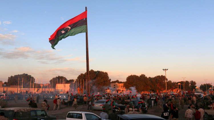 تفجير انتحاري يستهدف مقر المفوضية العليا للانتخابات في العاصمة الليبية
