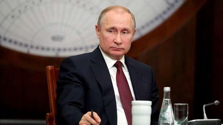 روسيا تصدر طابعا بريديا بمناسبة تنصيب بوتين