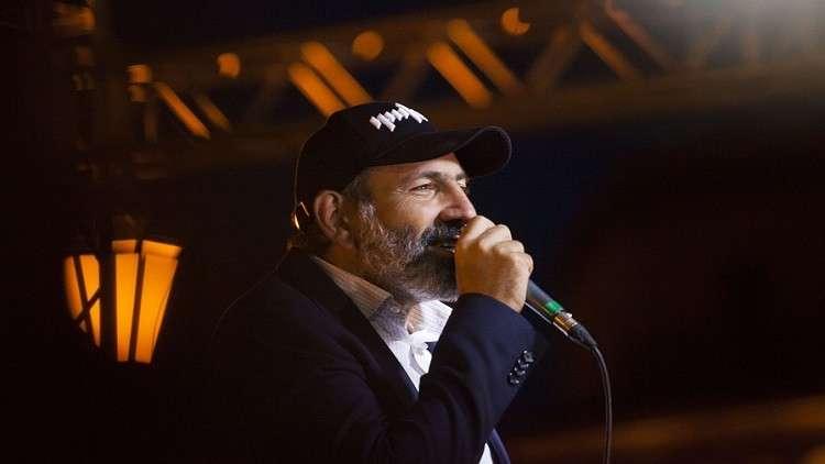 أرمينيا: زعيم الثوار يستميل موسكو