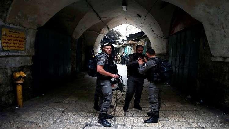 وفاة فلسطيني واحتجاز مصابين شرق غزة