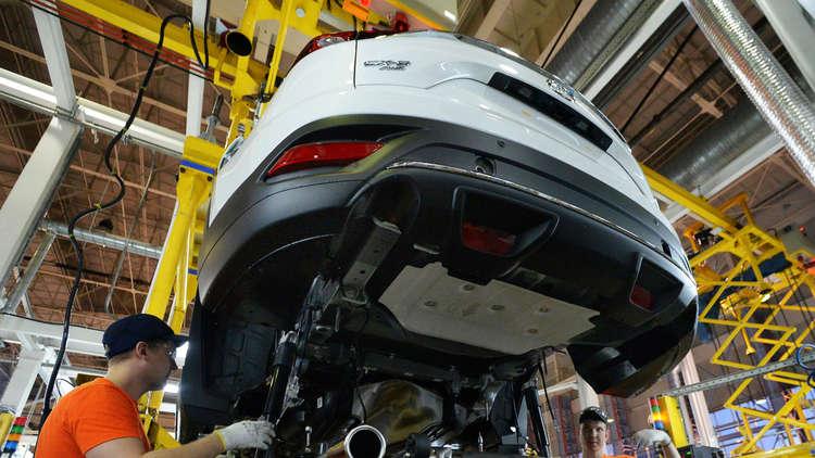 الحكومة الروسية تعتمد خطة لتطوير قطاع السيارات حتى 2025