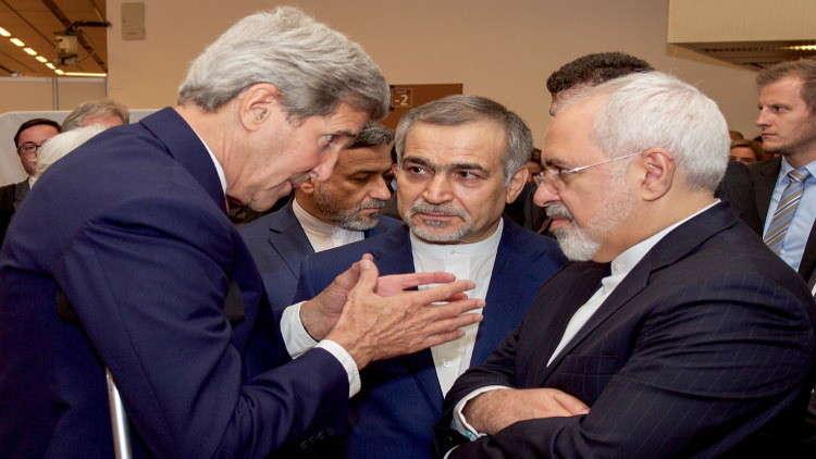 ظريف وكيري بحثا سبل الحفاظ على الاتفاق النووي الإيراني