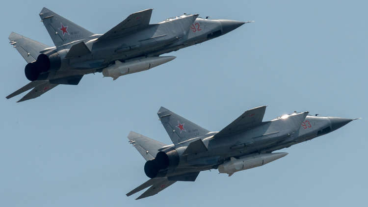 الجيش الروسي يعزز قواته بـ10 مقاتلات مزودة بصواريخ