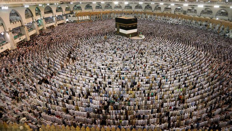 مصادر سعودية توضح الأنباء بشأن التوجه لفتح المحال في أوقات الصلاة