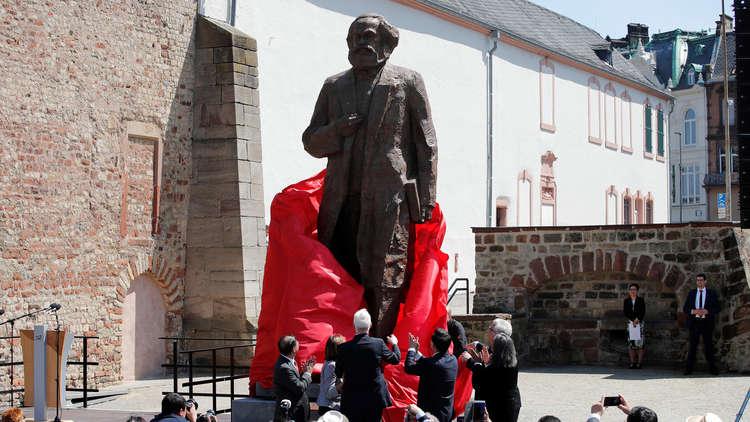 تدشين نصب لكارل ماركس في مدينة ترير الألمانية مسقط رأس فيلسوف