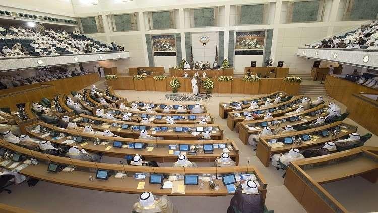 الكويت.. إنهاء خدمات 10 آلاف أجنبي في القطاع الحكومي