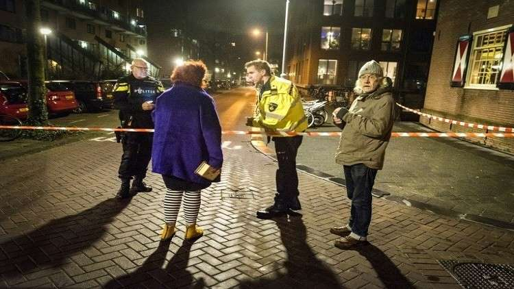 سوري يطعن 3 هولنديين.. والشرطة تفتح تحقيقا