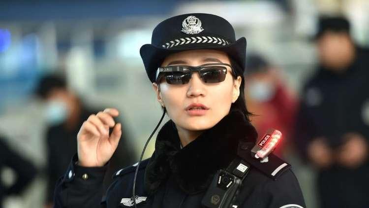سيدة صينية تبنت 118 يتيما وجمعت من ورائهم ثروة طائلة!