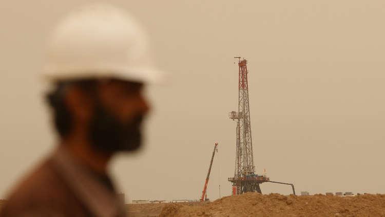 مخاوف حول إيران تدفع أسعار النفط إلى مستويات قياسية