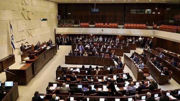 الكنيست يصوت على اقتطاع رواتب الأسرى الفلسطينيين من عائدات السلطة