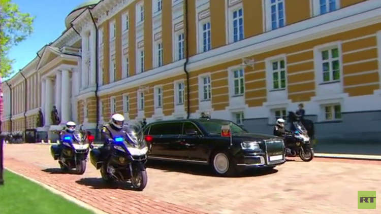 بوتين يعلق على سيارة الرئاسة الروسية الجديدة