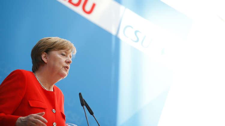 ميركل: ينبغي التفاوض على اتفاق نووي أوسع مع إيران