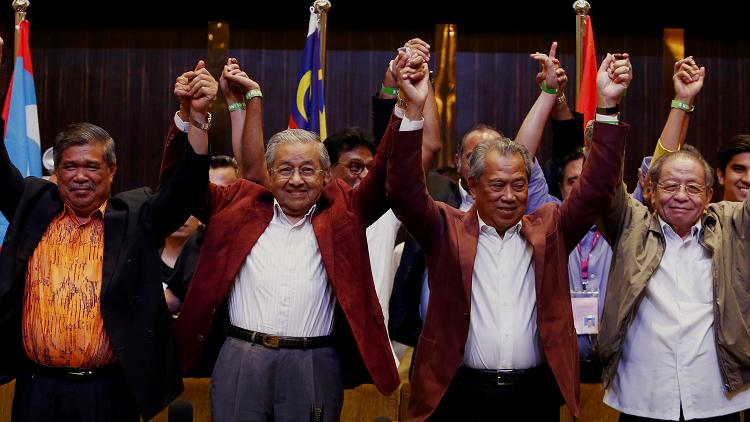 ماليزيا تنتخب أكبر زعماء العالم سنا