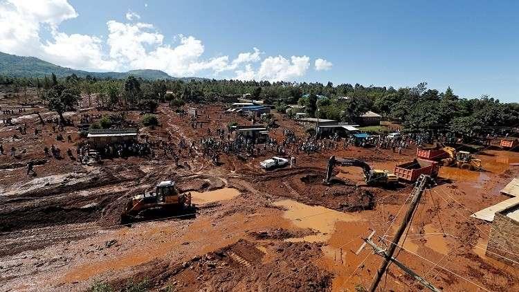 مقتل العشرات في انهيار سد في كينيا