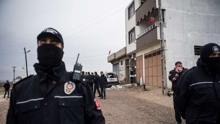 تركيا.. أوامر باعتقال 300 من أفراد الجيش لصلتهم بغولن