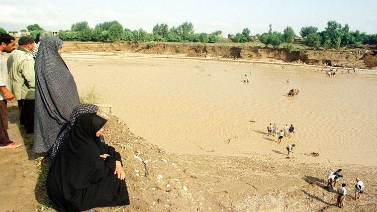 مصرع 5 أشخاص وفقدان آخر في سيول اجتاحت إيران