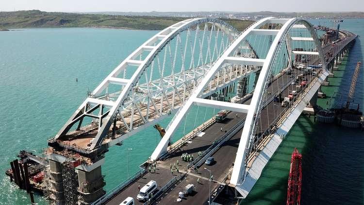 بوتين يدشّن أطول جسر في أوروبا