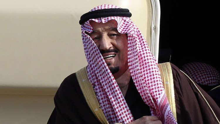 العاهل السعودي: كأني ألاحظ تغيرا في طعم ماء زمزم