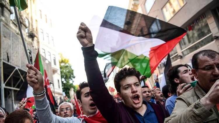 واشنطن تعزز أمن سفاراتها في الشرق الأوسط بعد نقل السفارة