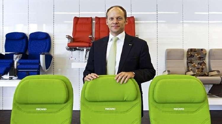 تطوير مقاعد طائرات تنظف نفسها ذاتيا!