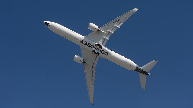 إقلاع عامودي أسطوري لطائرة إيرباص