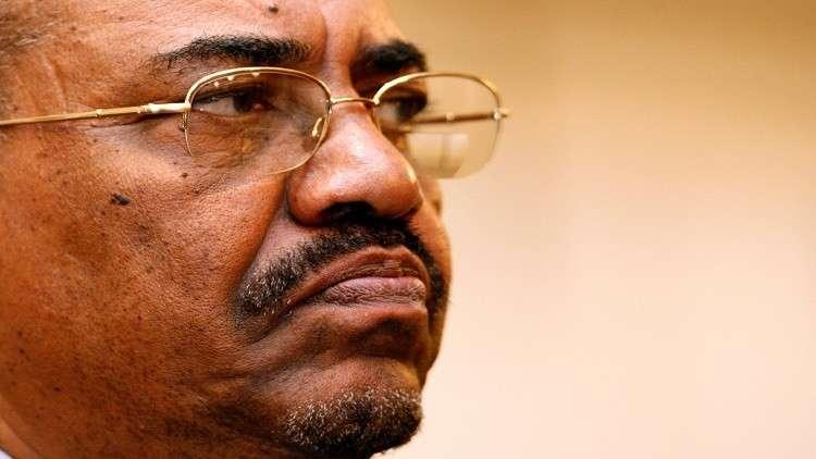 البشير يلغي الإفطار في رئاسة السودان
