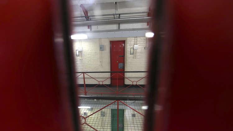 سجين بريطاني يظهر في البث المباشر على إنستغرام!